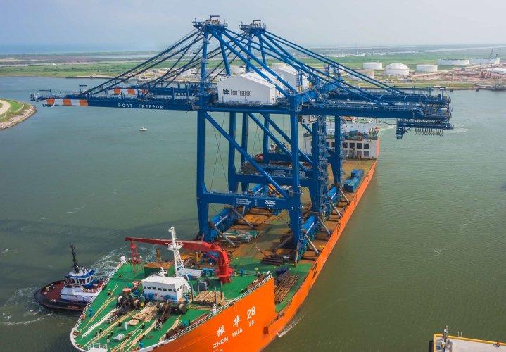Port Freeport Cranes